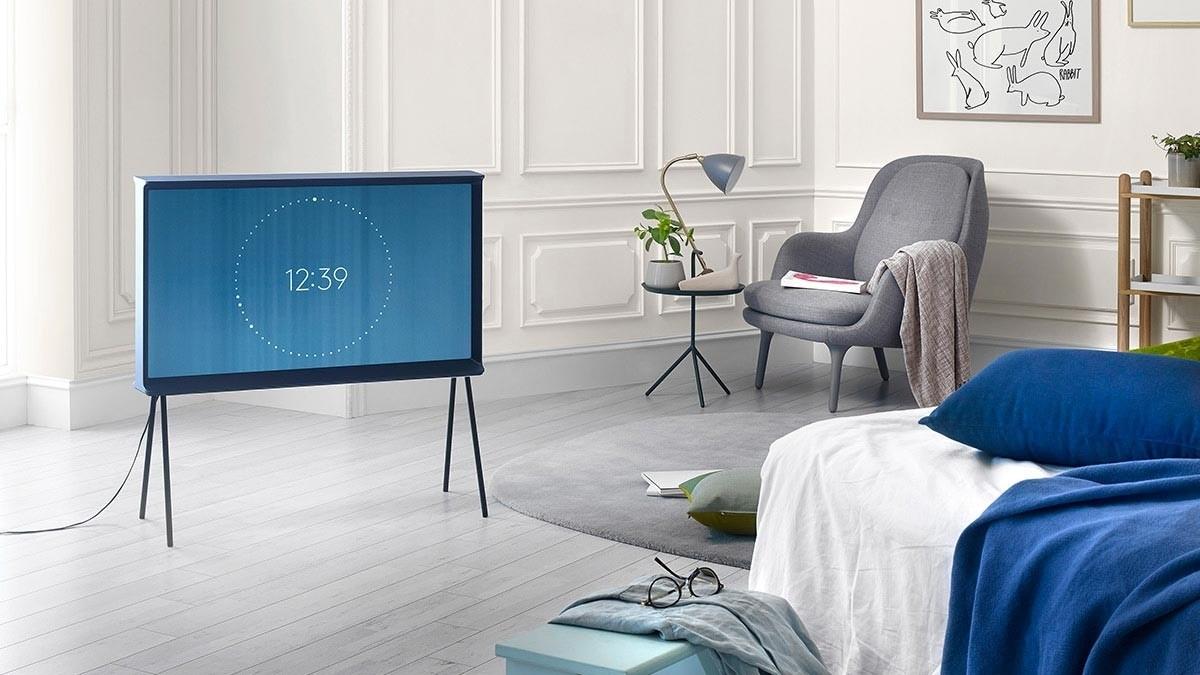 SAMSUNG LED-TV Serif UE40LS001A in dunkelblau oder weiß
