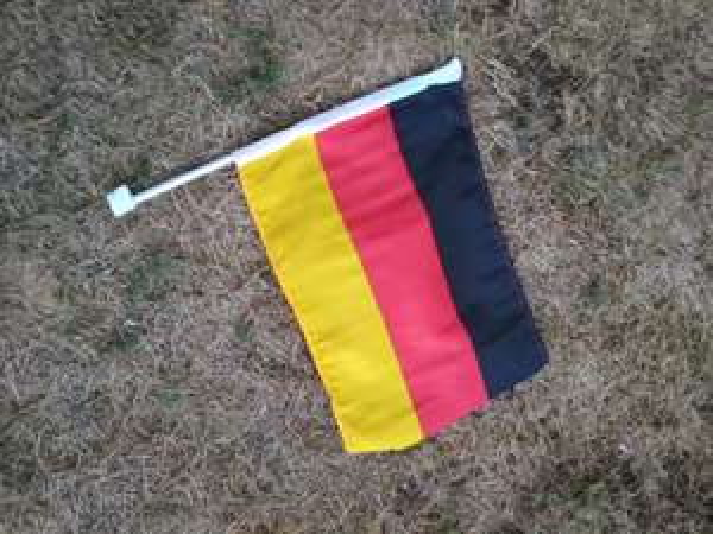 Deutschlandfahne für Autofenster gratis bei OBI