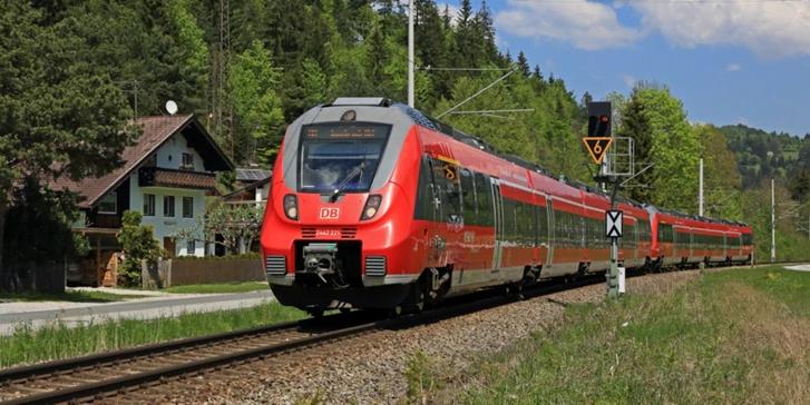 10€ eCoupon (MBW 39€) und Flex-Mitfahrer für BahnCard-Kunden bis 12.08.2018 [bahn.de]