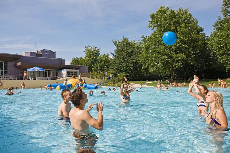 [Bad Krozingen] Freier Eintritt + Gratis-Eis im Aquarado