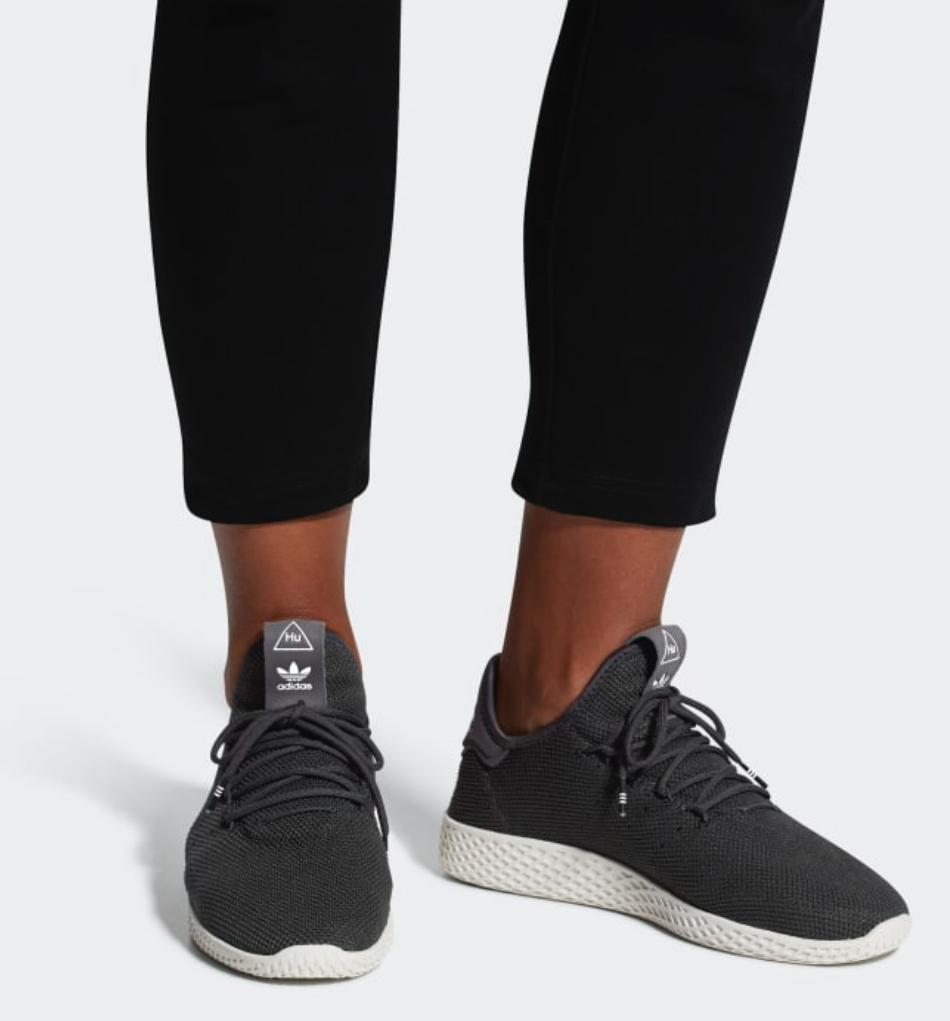 Adidas Pharell Williams Tennis HU Schuh - Carbon Herren