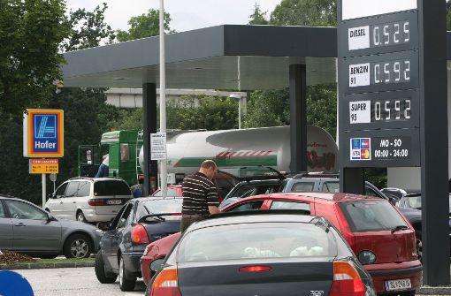 Tanken bei Aldi zum Aktionspreis Stuttgart/Ludwigsburg + gratis Wasser [lokal]