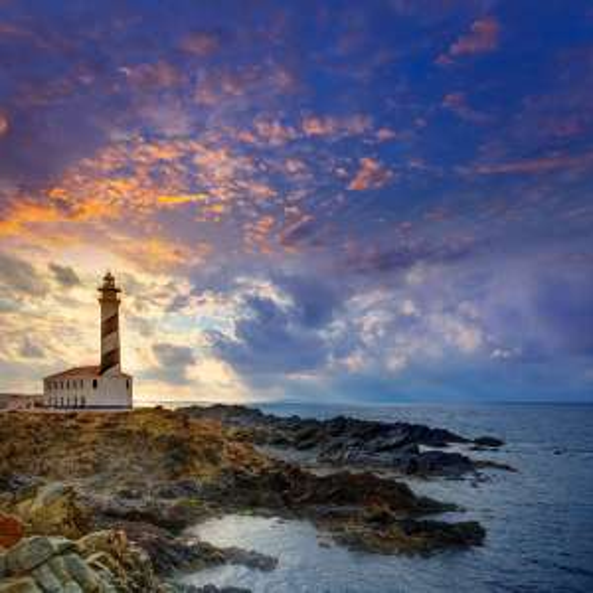 Flüge: Menorca [August] - Last-Minute - Hin- und Rückflug von Hannover nach Menorca ab nur 74€ inkl. Gepäck
