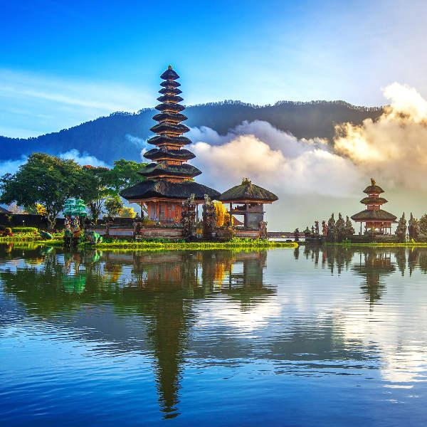 Flüge: Bali [März - Mai] - Hin- und Rückflug von Berlin nach Denpasar ab nur 357€