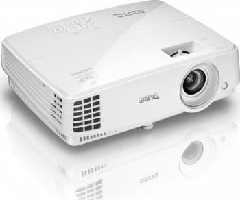 [CSV.de] BenQ TH530 FULL HD Beamer mit 3200 LUMEN und 3-Ready inklsuive integrierte Lautsprecher
