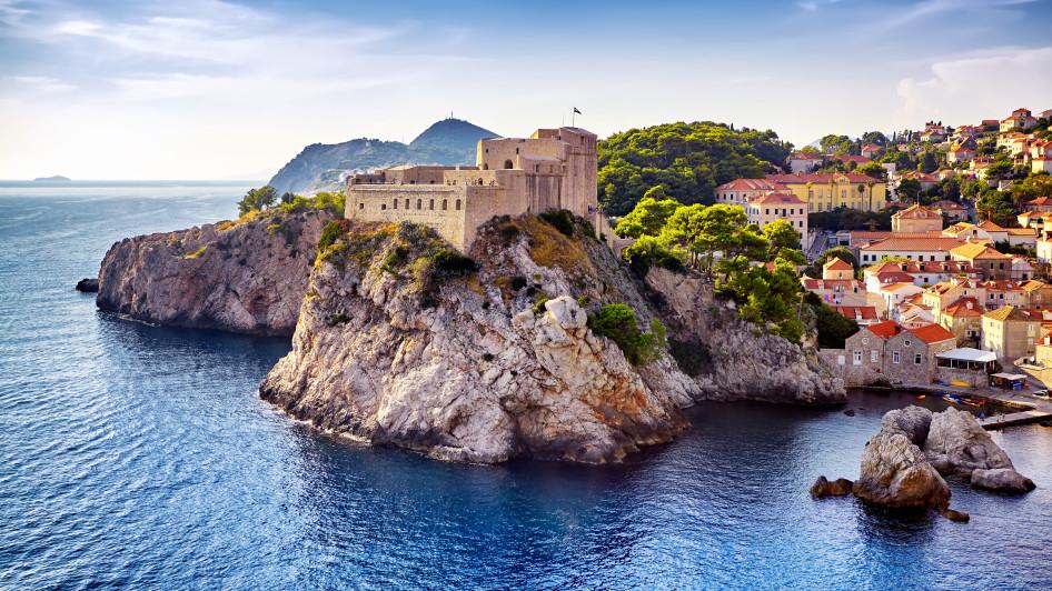 Rewe Reisen - 10€ Gutschein ohne MBW - z.B. 1 Nacht im 2* Hotel in Kroatien für 2 Personen für 8€
