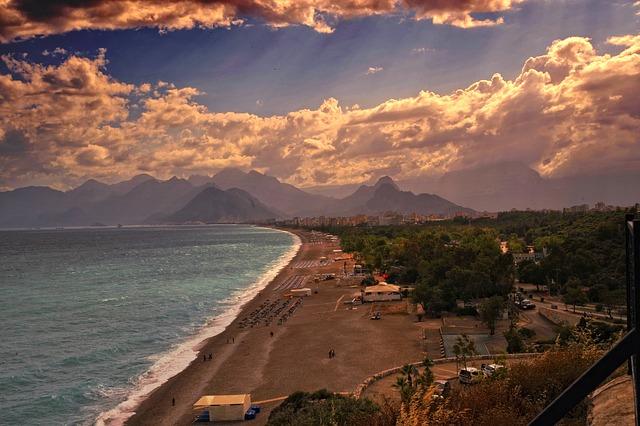 Flug + Hotel: Antalya (Türkei) zu zweit: 7 Tage, TOP 5* Hotel ab 277 EUR pP oder 4* ab 157 EUR