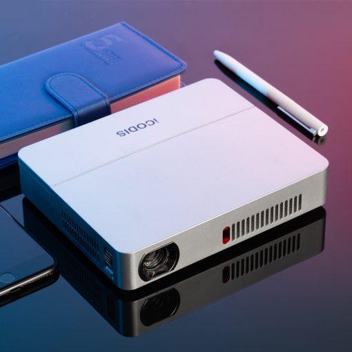günstigster 720p mini Beamer mit eingebautem Akku 10,000mAh