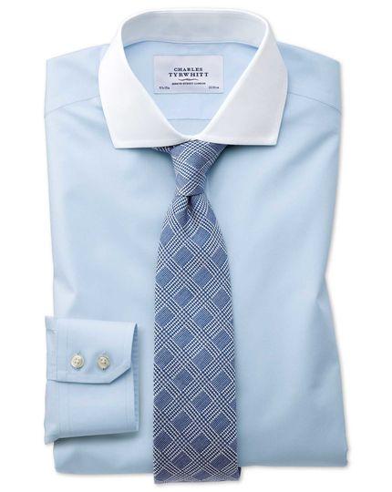 Charles Tyrwhitt - 1 Hemd 24,95 Euro (zuzügl. Versandkosten 6,95 Euro), alternativ 3 Hemden 90 Euro (versandkostenfrei)