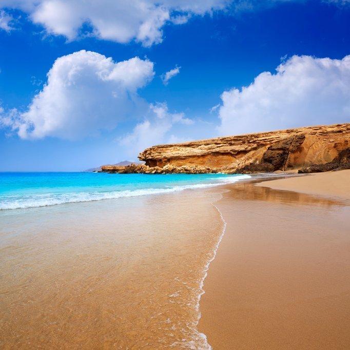 Flüge: Kanaren [Oktober] - Hin- und Rückflug von Hannover nach Fuerteventura ab nur 80€ inkl. Gepäck