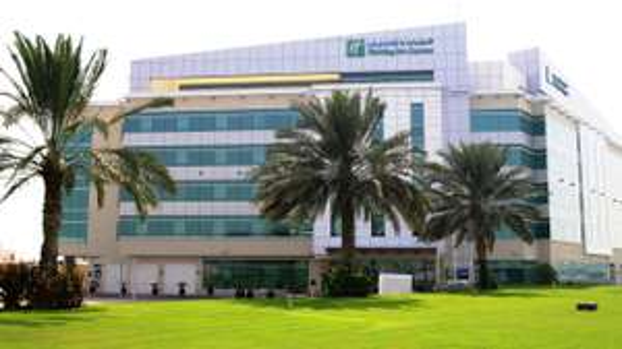 7 Tage Dubai im Holiday Inn inkl. Frühstück, Flug, Rail&Fly und Transfer ab 294€ p.P.