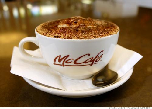 Berlin: BZ kaufen - Kaffee und Kuchen bei Mc Cafe