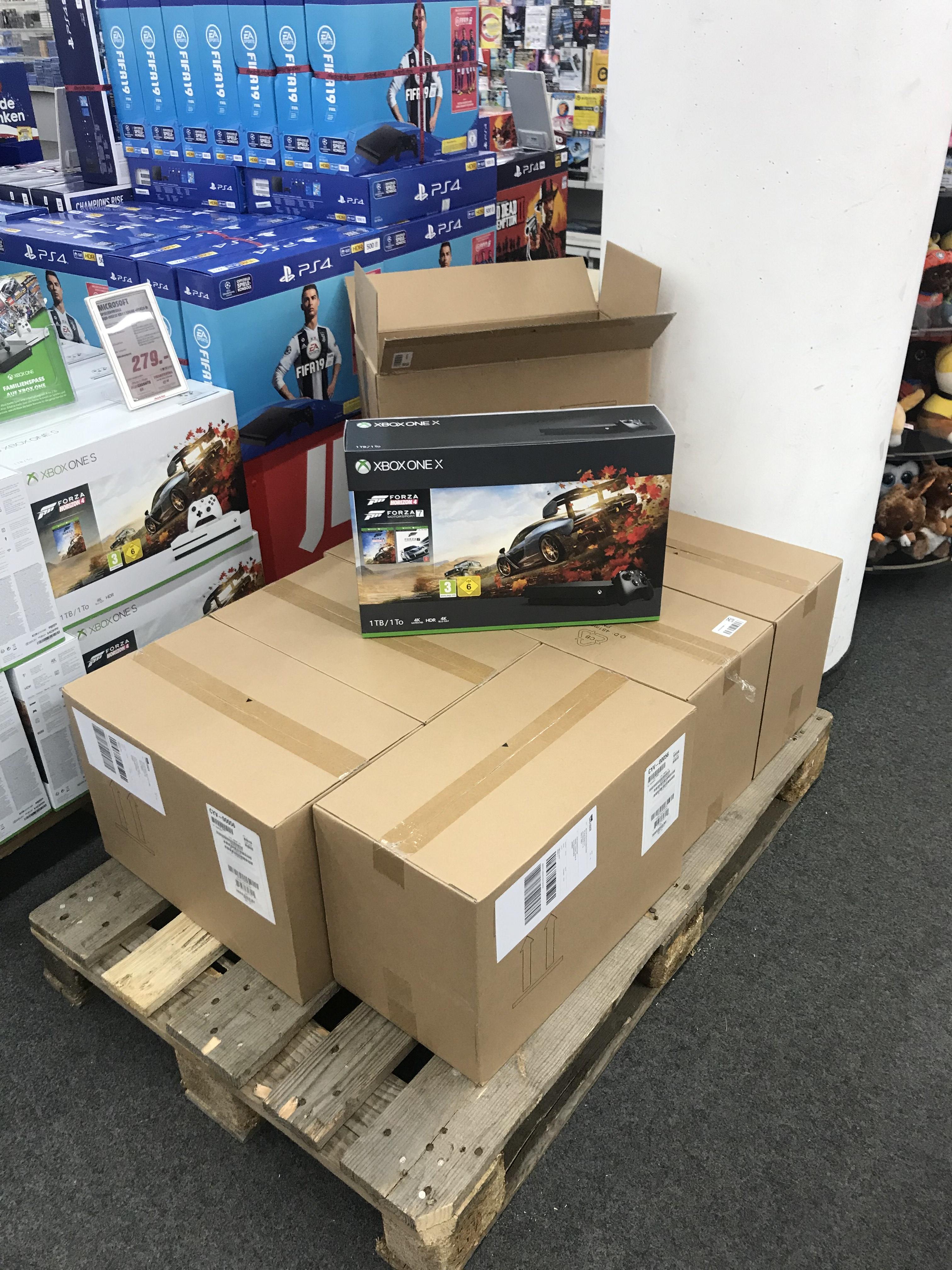 [Lokal Media Markt | Stuttgart-Vaihingen] XBOX ONE X Forza Bundle (inkl. FORZA 7 & FORZA H4)