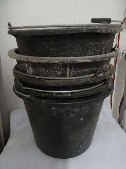 Baueimer 12 Liter und Baukübel 65 LIter (3,98 Euro) bei Thomas Philipps