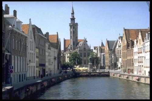Reise: Langes Wochenende in Brügge/Belgien (Bahn & Hotel) z.B. ab Köln für 87,- € p.P. (Januar)