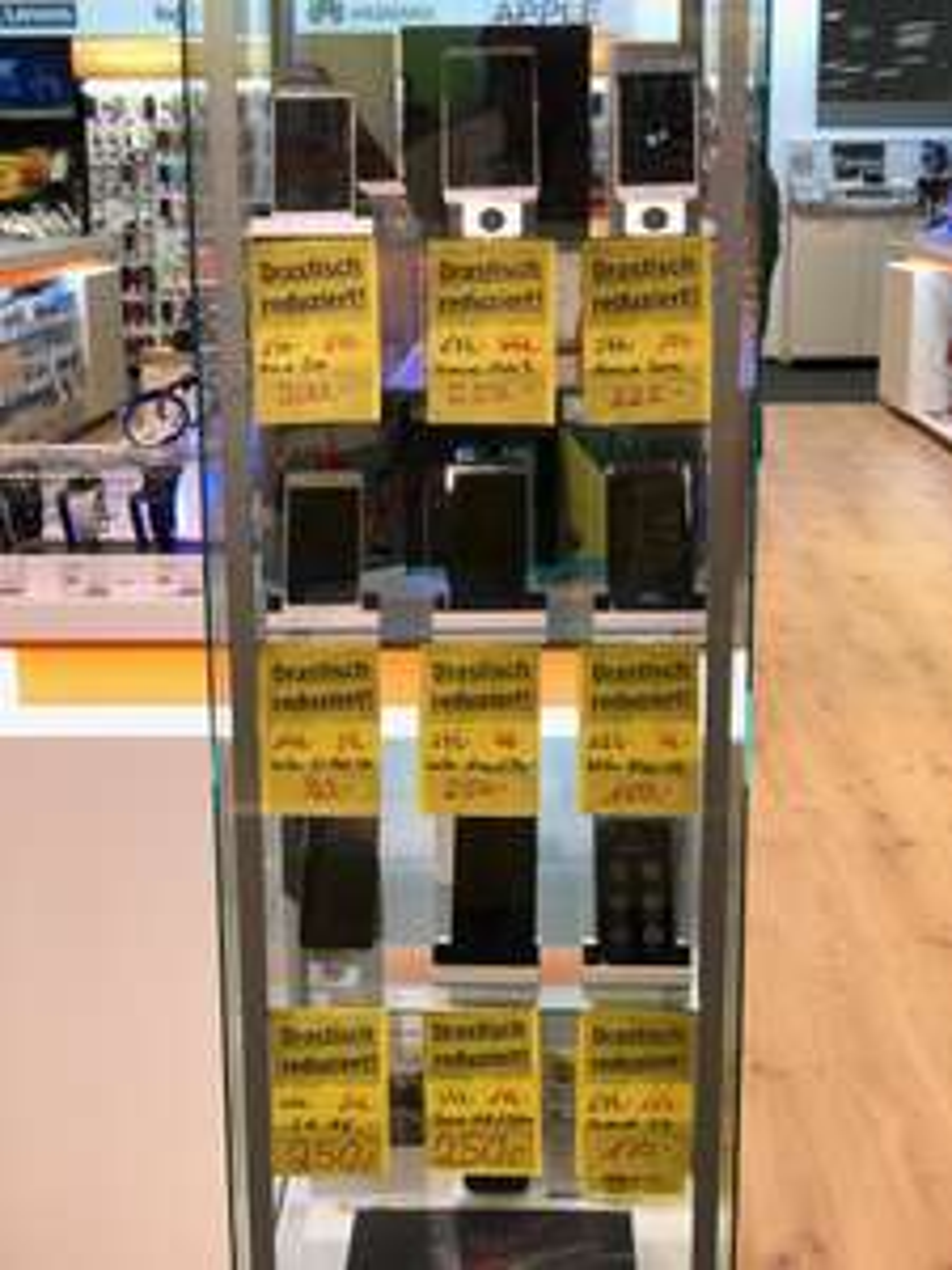 Huawei Mate 9 für 250€ und einige weitere Handys zum Sonderpreis. Lokal Expert Bening Oldenburg.