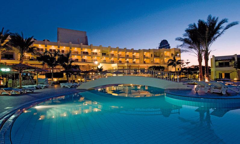 [Last Minute] 7 Tage Hurghada im guten 4* Palm Beach Resort mit Flug und AI für zwei Personen