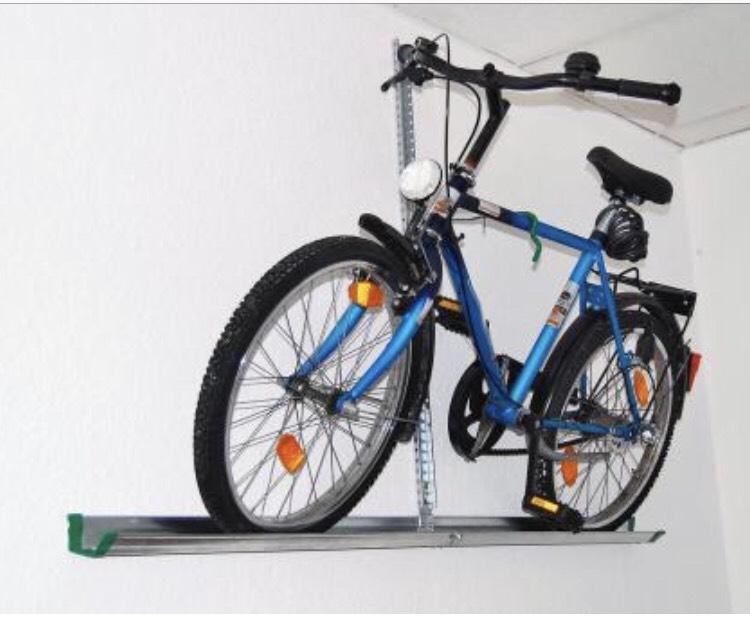 obi faventis eufab 16408 fahrrad wandhalterung platzsparende l sung f r die garage u a. Black Bedroom Furniture Sets. Home Design Ideas