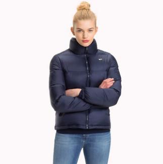Puffer Jacket für Damen (M, L, XL) im Tommy Hilfiger Sale mit bis zu 50% Rabatt auf viele Artikel + 10% on top + gratis Versand
