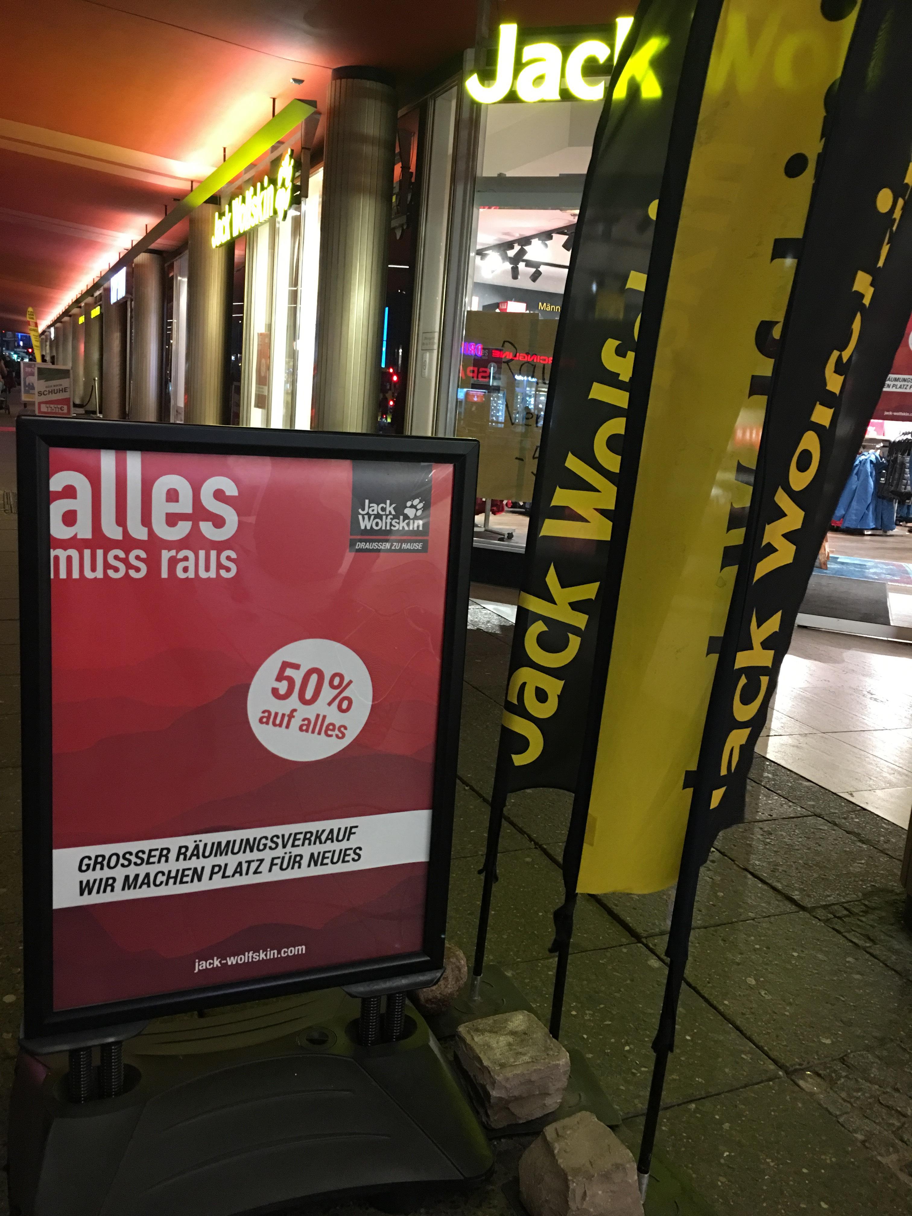 (Lokal) 50% auf alles Jack Wolfskin am Ku'damm in Berlin
