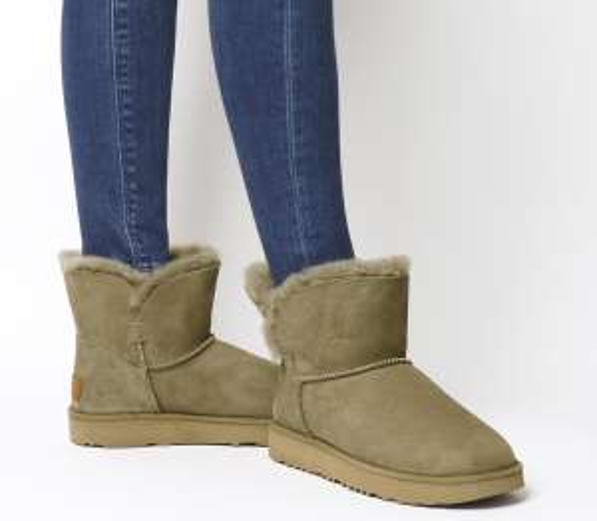UGG Classic Cuff Mini Boots in der Farbe Antilope (Gr. 36-39)