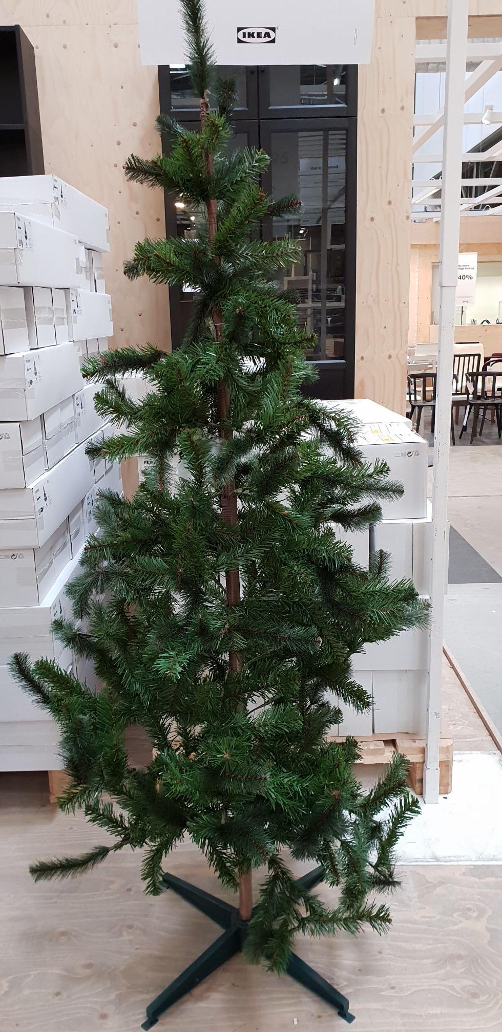 [Lokal / Grenzgänger] IKEA Hengelo (Niederlande] - FEJKA künstlicher Weihnachtsbaum - 180cm für 5 Euro oder 150cm für 2,50 Euro