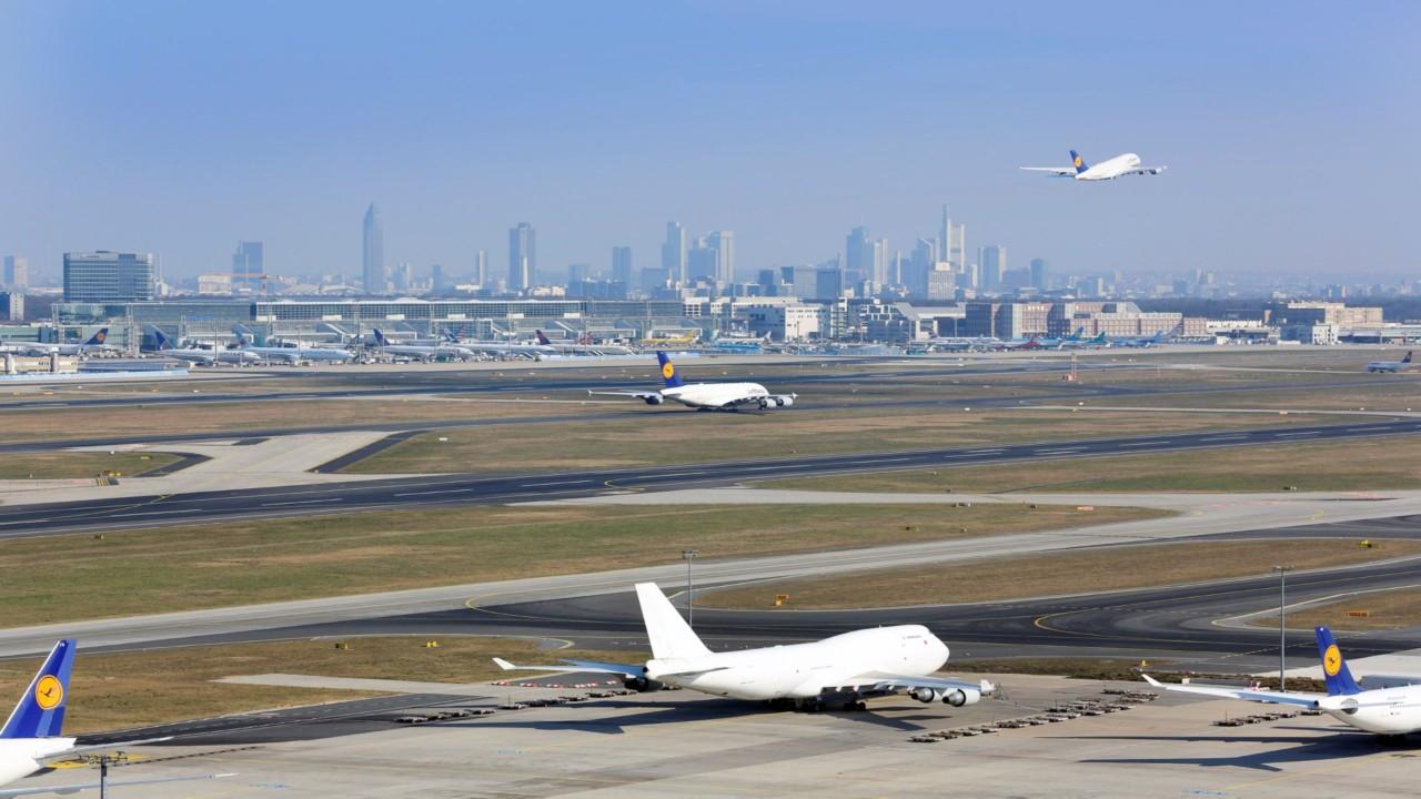 Kostenlose Gruppen Flughafen-Rundfahrt in Frankfurt am Main (Lokal)