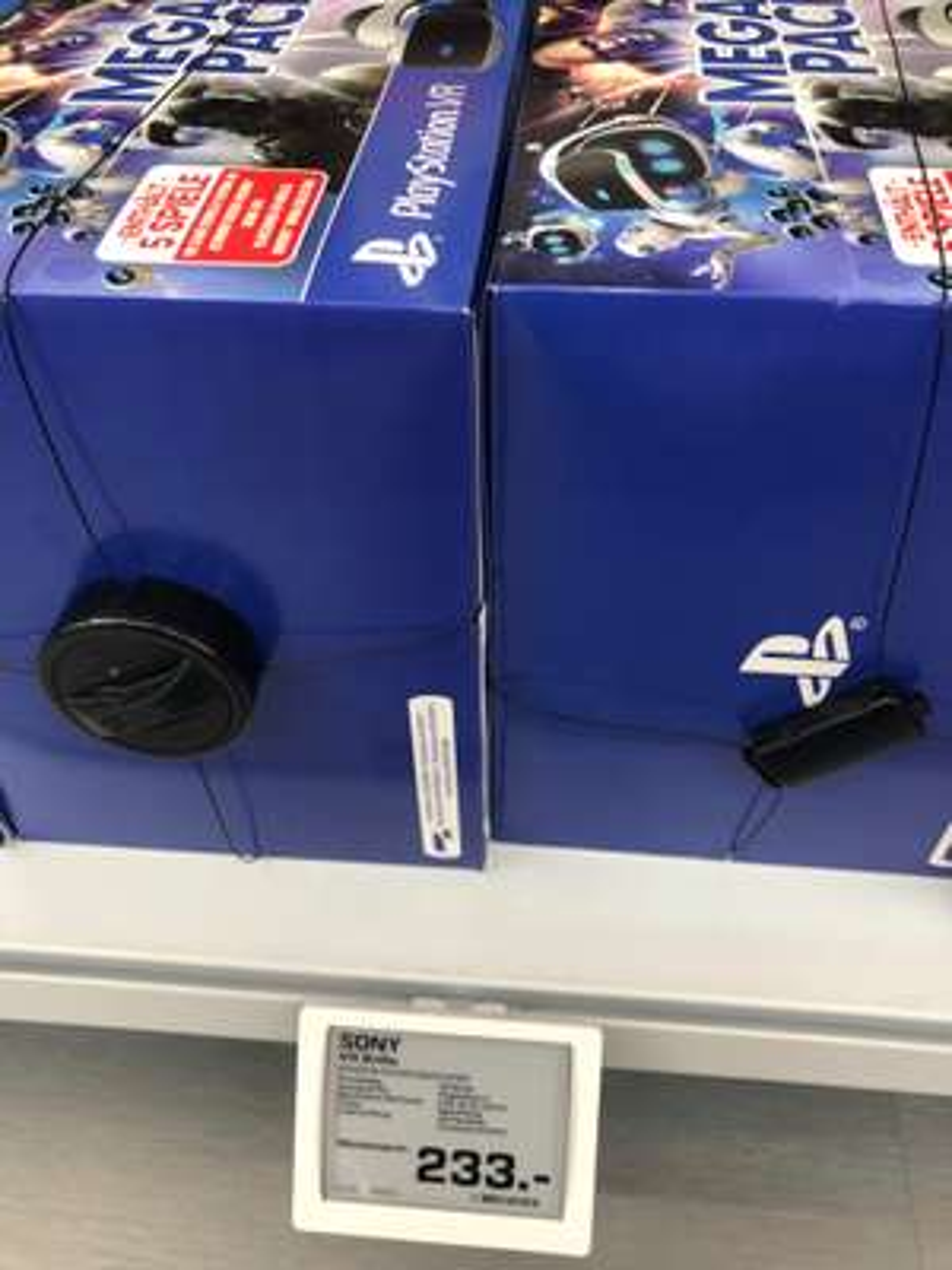 Sony PlayStation VR V2 + PS 4 Camera + 5 PS4 PSVR Spiele für 233€ (Lokal Saturn Kempten)