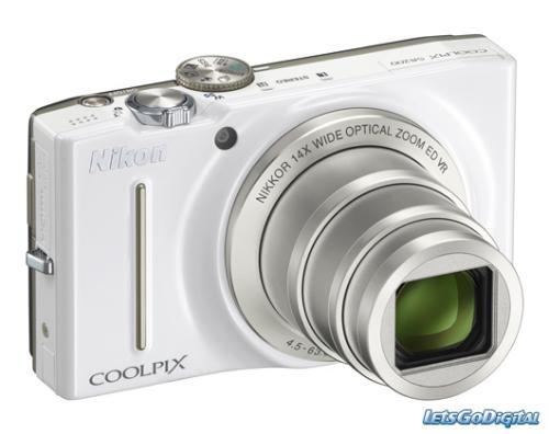 Nikon COOLPIX S8200 - alle Farben - 151,- Euro inkl. Versand