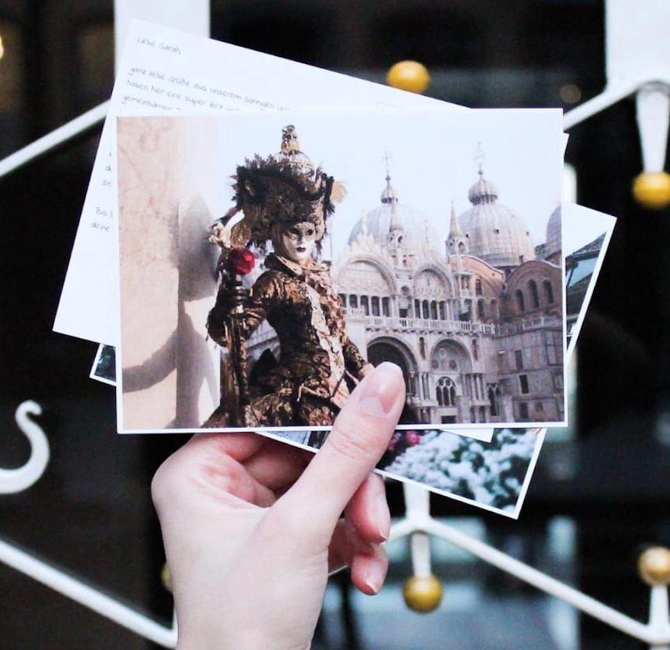 Gratis Karnevalskarte mit eigenen Fotos versenden [Postando App Android & iOS]
