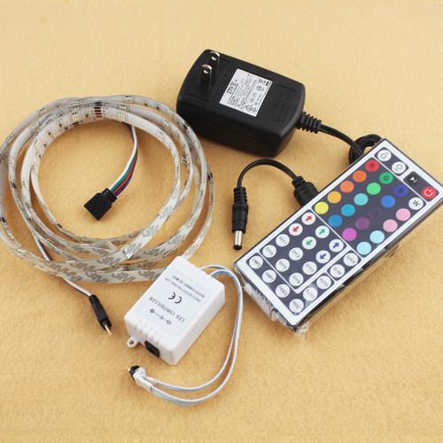 3 Meter RGB LED Band 5050 mit 44 Tasten Fernbedienung inkl. Netzteil zu 15.- Euro @ebay