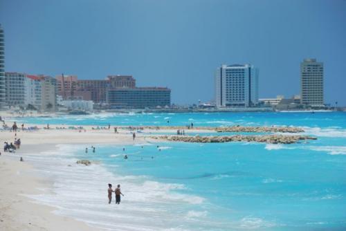 Last Minute Reise: 6 Tage Cancun/Mexcio ab Frankfurt im 3* Hotel für 437€ p.P. (2 Pers.)