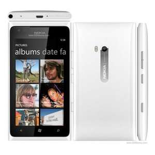 Nokia Lumia 900 weiß @ Amazon WHD + Gratis Headset im Wert von 99€