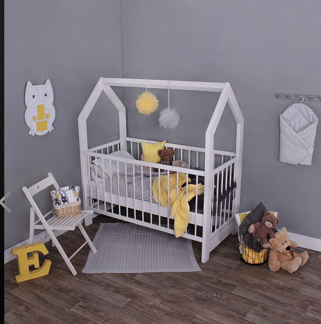 KAGU Kinderbett Holz weiss 148x80x160cm Haus-Bett Baby-Bett Gitterbett Abenteuer-Bett massiv für 129,99€ inkl. Versand
