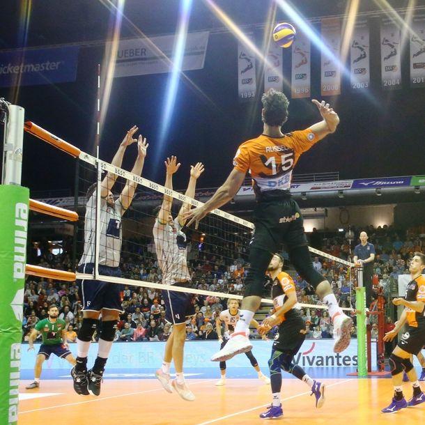 [DKB live] (Aktivkunden): VOLLEYBALL in Berlin - BR Volleys vs Unterhaching 20.04 Playoff-Halbfinale