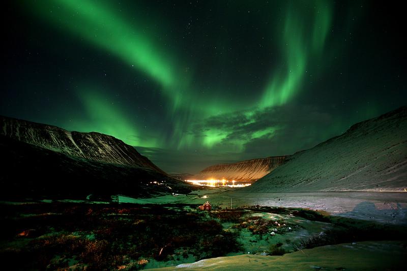 Flüge: Island [Mai / November - Februar] Hin und Zurück von Krakau, Katowice, Breslau, Wien nach Reykjavik ab 37,27€