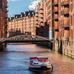 Eine Nacht im Amedia Hamburg Moorfleet Hotel inkl. Frühstück (2 Personen) für 48€ (Just Away)