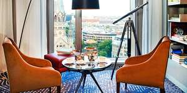 Tea Time im Waldorf Astoria in Berlin, Champagner & Traumblick