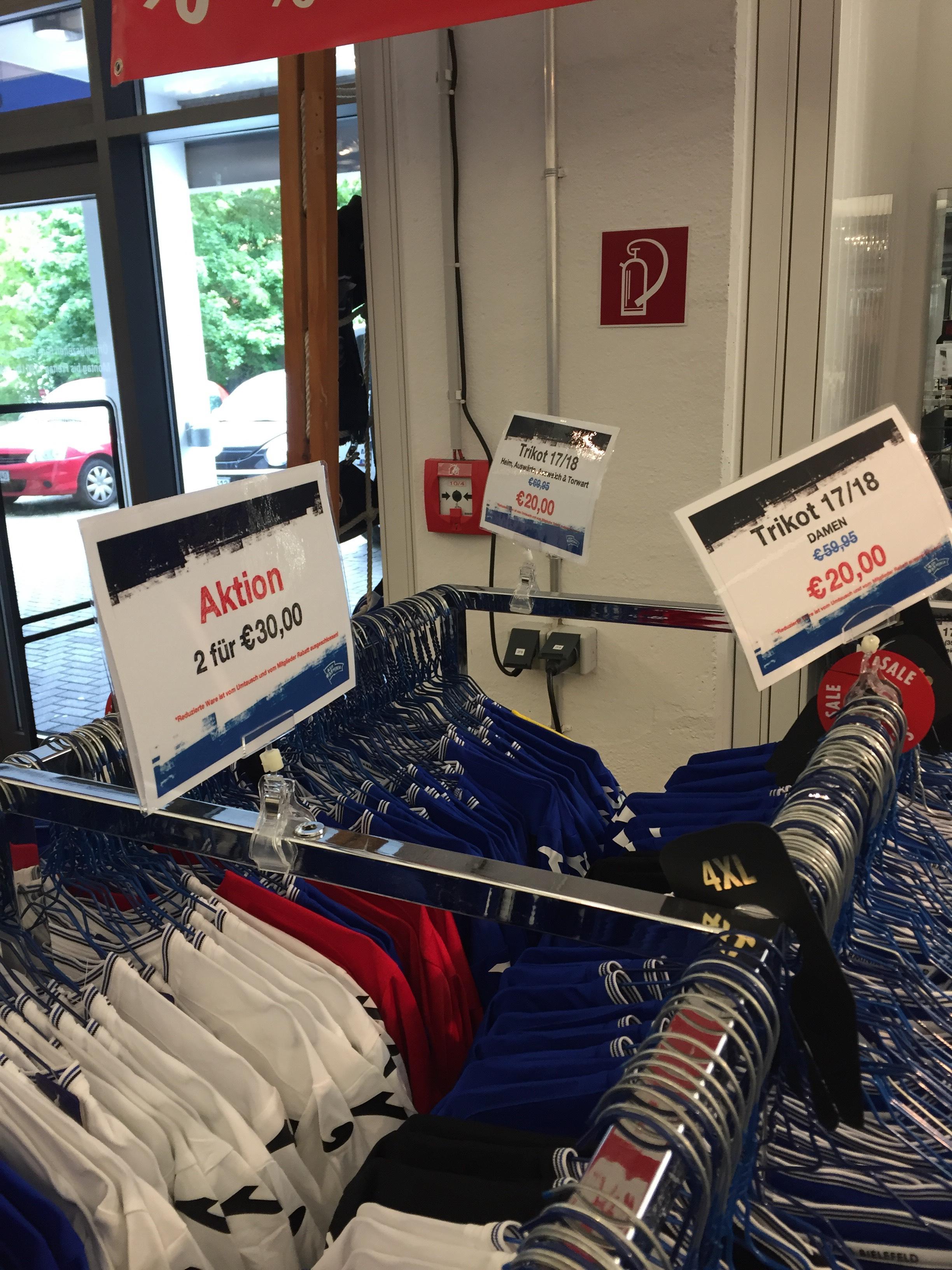 Arminia Bielefeld Trikots 17/18 // Lokal 2 Trikots für 30 Euro, online Trikot 20 € + Versand