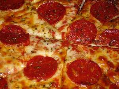 "[lokal Würzburg] Jede Pizza 3,50€ bei ""Pizza La Bella"""