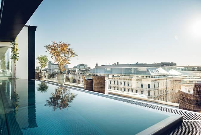 2 Pers. Flug + Hotel Wien&Frühstück, 5* Luxus im August:  30% auf den Normalpreis sparen - nur bis Sonntag buchbar