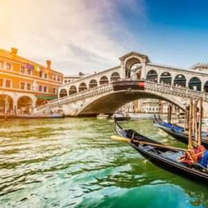 Hin- und Rückflug von Stuttgart nach Venedig für 9,99€ im Juli bei Zahlung mit Kreditkarte