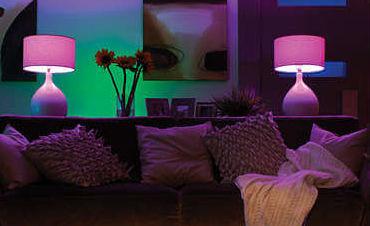 Philips Hue White und Color Ambiance E14 LED Kerze Dreierpack, dimmbar, bis zu 16 Millionen Farben, steuerbar via App für