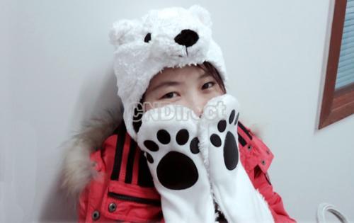 Schal, Mütze und Handschuhe in einem: Die Eisbär-Mütze für ~4,31€ inkl. Versand @ Ebay