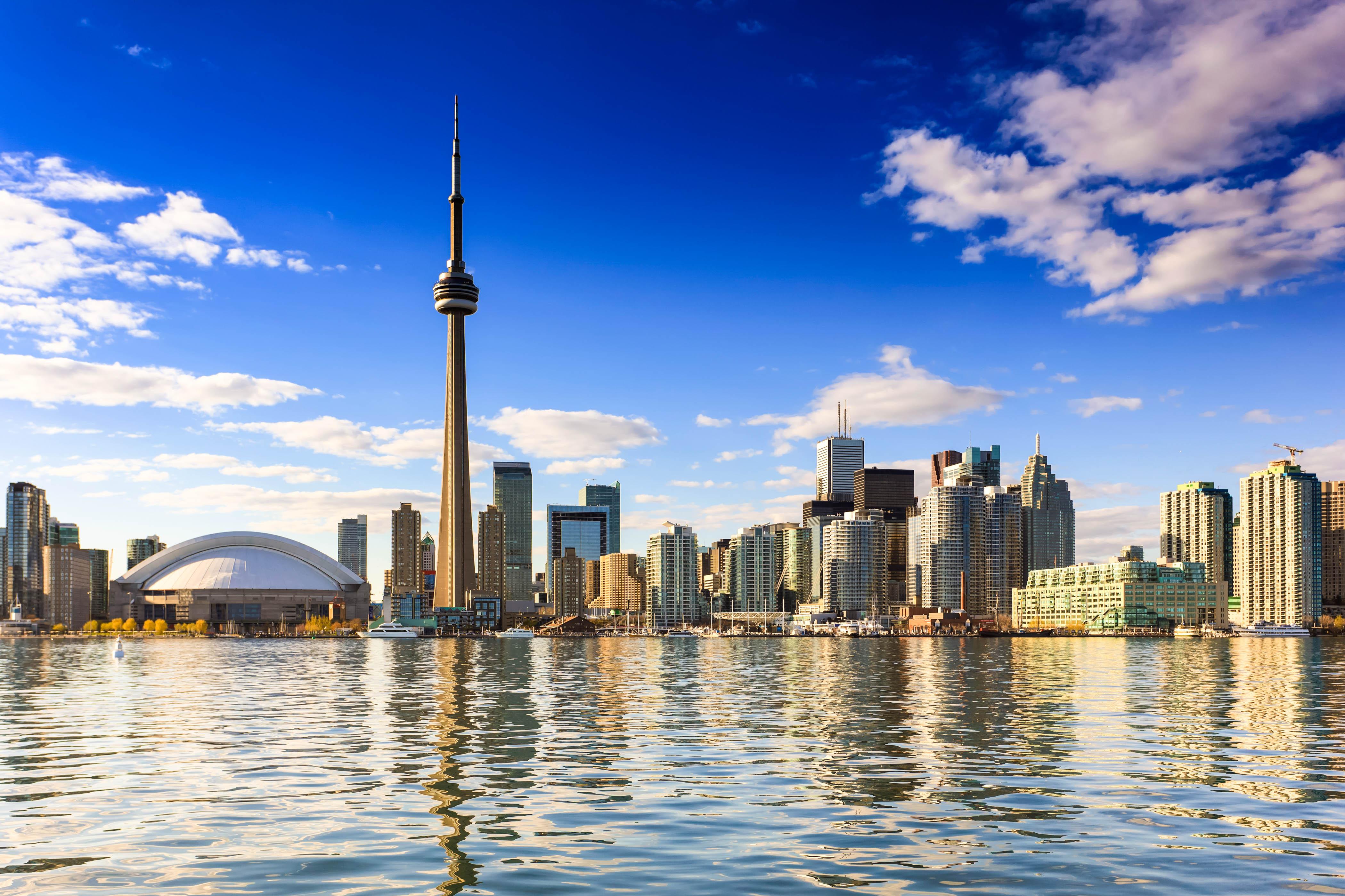 Nonstop nach Kanada: Hin- und Rückflug von Amsterdam nach Toronto ab 291€ im September - April mit Air Canada