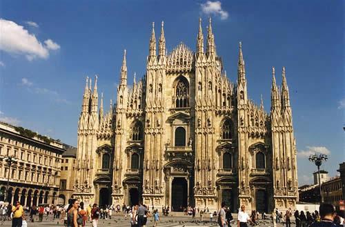 Reise: Langes Wochenende in Mailand 3 Nächte (Flug, Transfer, 4* Starhotels Ritz) 184,- € p.P. ab mehreren Airports (Januar)
