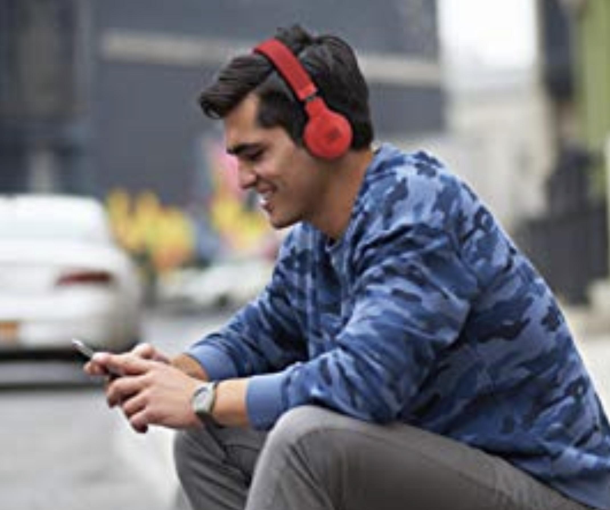 JBL E45BT On-Ear Bluetooth Kopfhörer in Rot bis zu 16 Stunden Akkulaufzeit für 45,90€ inkl. Versandkosten [Amazon/Cyberport]