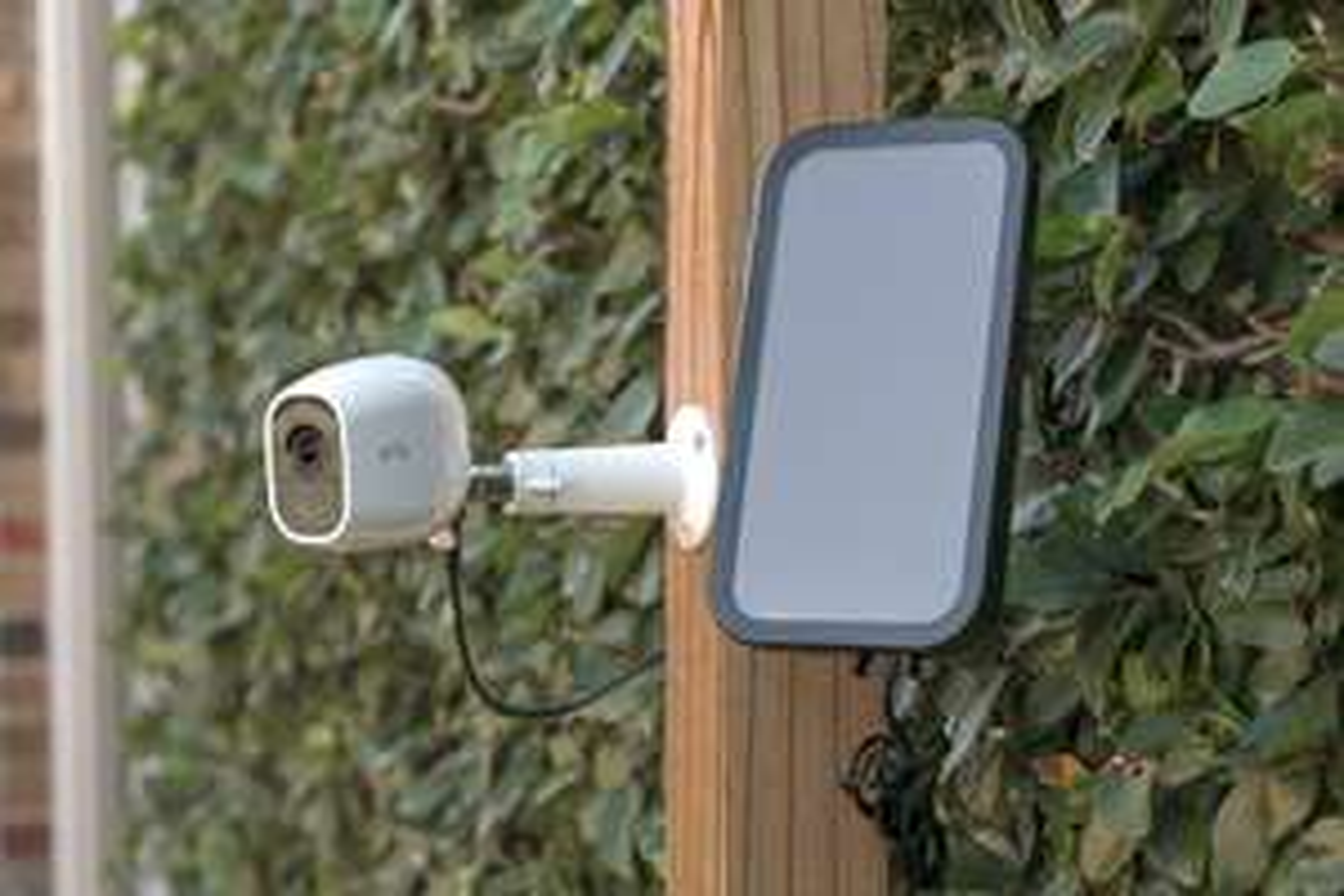 Gratis Zubehör beim Kauf von Arlo Pro 2 WLAN Überwachungskameras