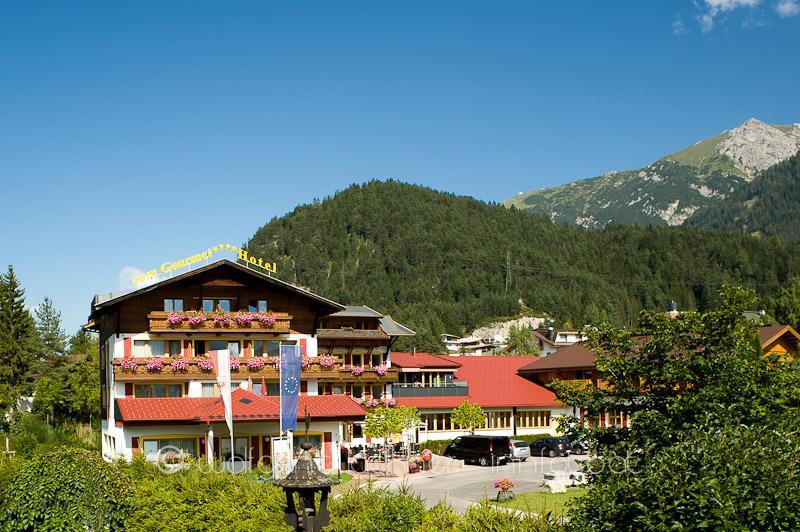 """Tirol / Österreich [Juli - September] 4* All Inclusive Hotel """"Zum Gourmet"""" (8,5/10 Booking) für 59,50 € p.P."""