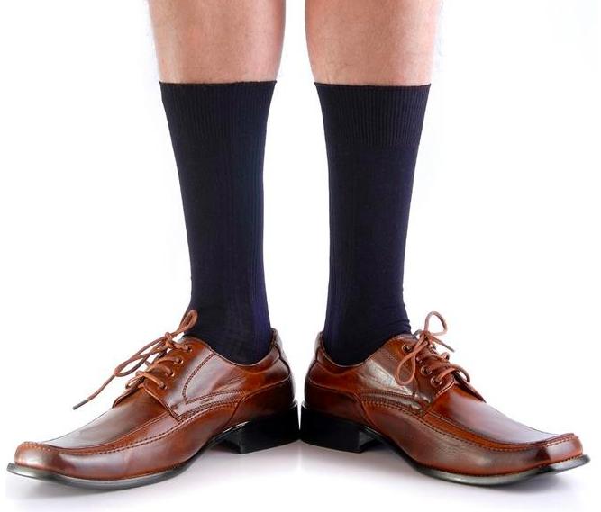 10 Paar Socken aus 100% Baumwolle in Schwarz für Gr. 39-50